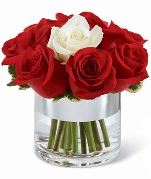 The 2010 FTD® Expressions of Love™ Bouquet
