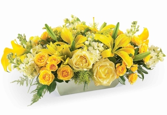 The FTD® Formal Invitation™ Centerpiece