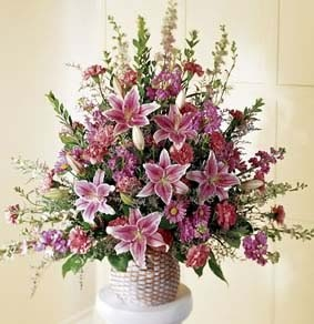 The FTD® Leaf & Petals™ Arrangement